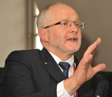 IPC President, Sir Philip Craven negotiated to bring more coverage of the Sochi 2014 Paralympic Games